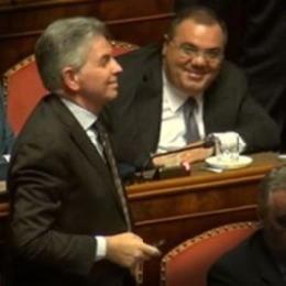Report oggi in parlamento indagati condannati legge for Oggi in parlamento